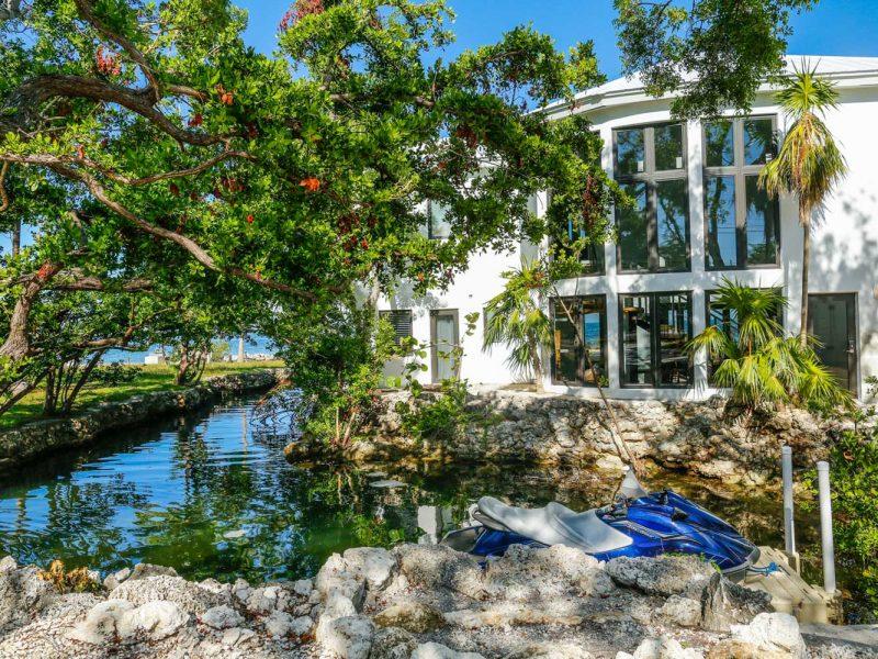 110618-Coastal-Vacations-102-Plantation-Blvd.-SIZED-dfp-1
